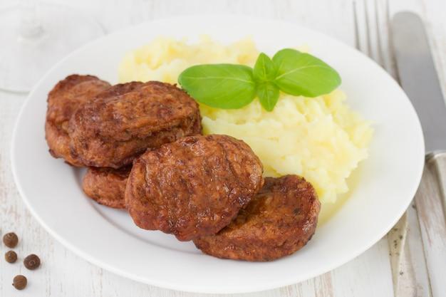 Boulettes de viande à la pomme de terre et au basilic