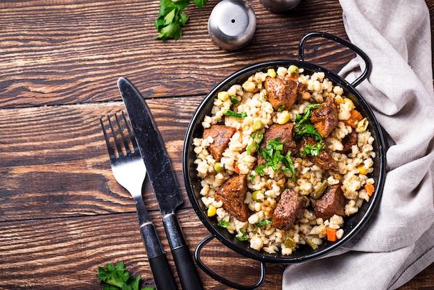 Boulgour à la viande et aux légumes