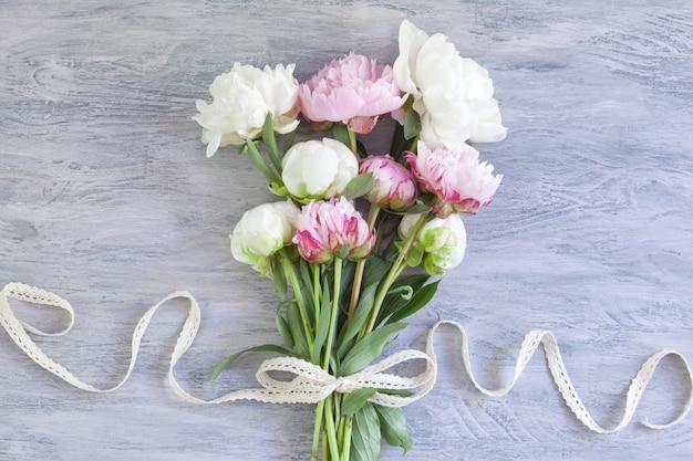 Bouquet de belles pivoines