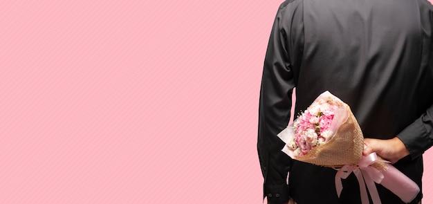 Bouquet dans le dos