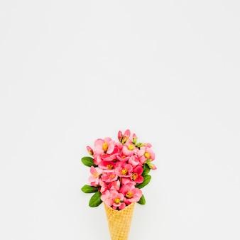 Bouquet de fleurs au cornet
