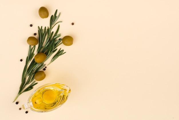 Bouquet de fleurs à base d'olives et de feuilles