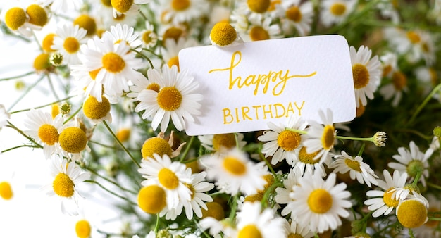 Bouquet de fleurs joyeux anniversaire