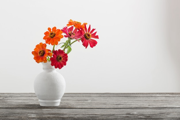 Bouquet de fleurs de zinnia