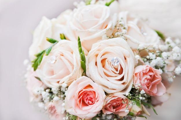 Bouquet de mariage. accessoire symbolique traditionnel de la mariée.