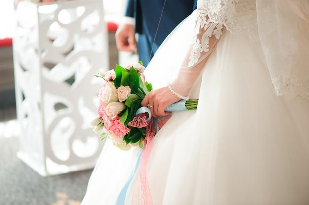 Bouquet de mariée, bouquet de belles fleurs le mercredi