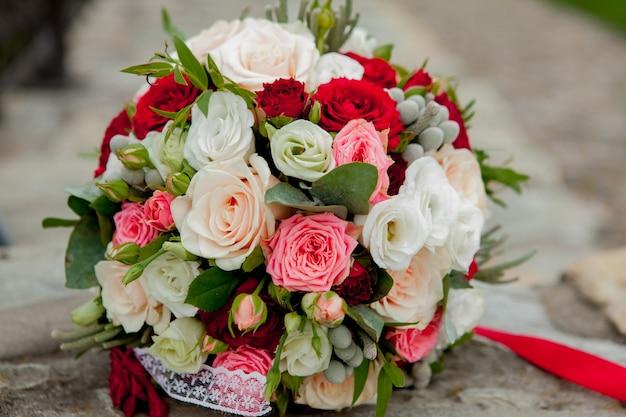 Bouquet de mariée, fleurs, roses, beau bouquet