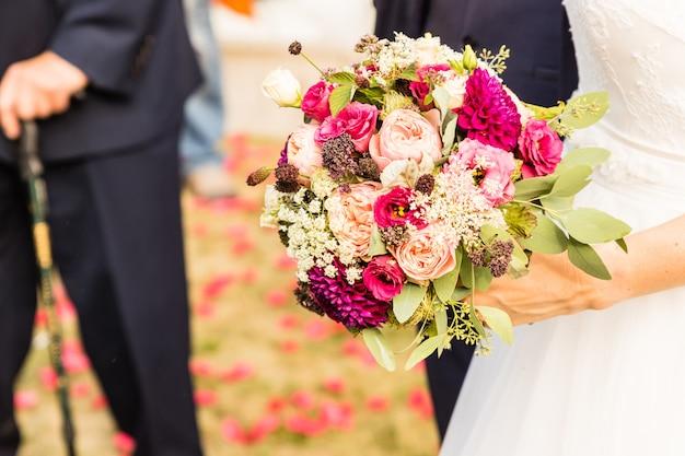 Bouquet de mariée le jour du mariage