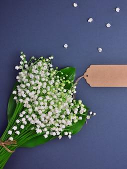 Bouquet de muguet blanc