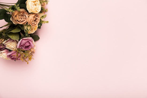 Bouquet de roses avec copie-espace