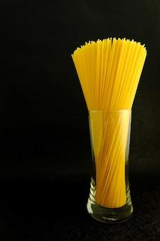 Bouquet de spaghettis crus