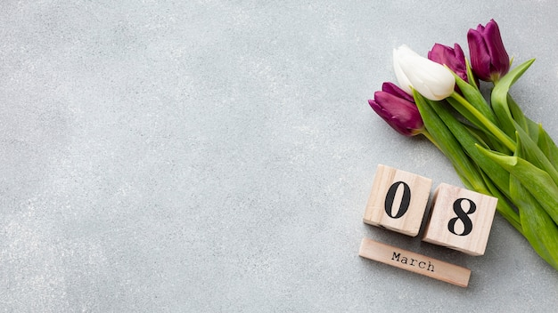 Bouquet de tulipes et lettrage du 8 mars avec espace copie
