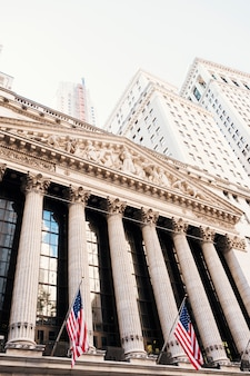 Bourse de new york et bâtiments de wall street