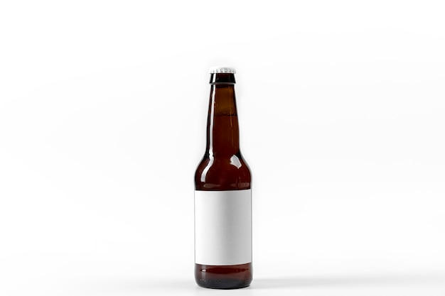 Bouteille d'alcool vue de face avec étiquette vierge