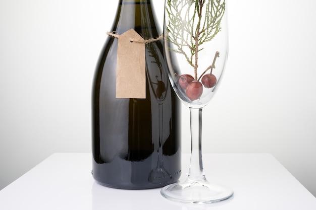 Bouteille de champagne sur table