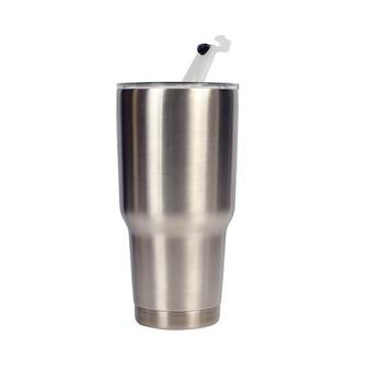 Bouteille d'eau froide sur blanc