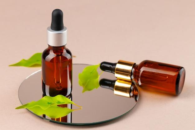Bouteille d'huile de beauté avec pipette