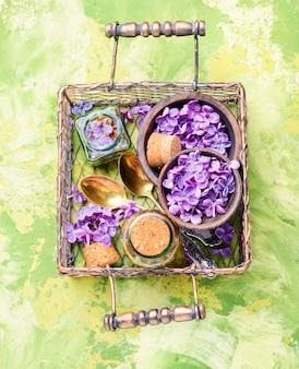 Bouteille d'huile essentielle de lilas