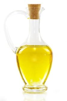 Bouteille d'huile d'olive isolé sur blanc