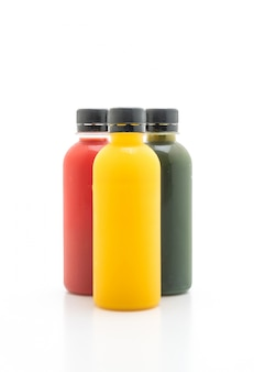 Bouteille de jus de fruits et de légumes (boisson saine)