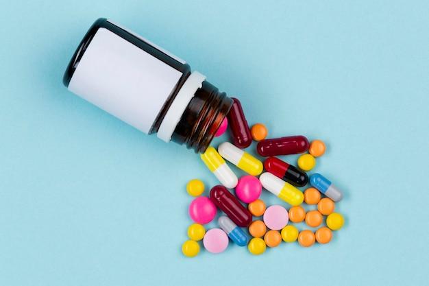 Bouteille avec pilules