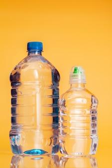 Bouteille en plastique d'eau minérale