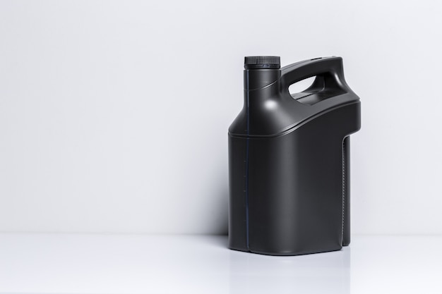 Bouteille en plastique d'huile moteur