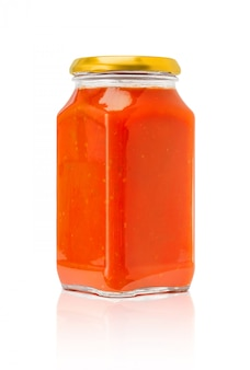 Bouteille de sauce pour pâtes isolée