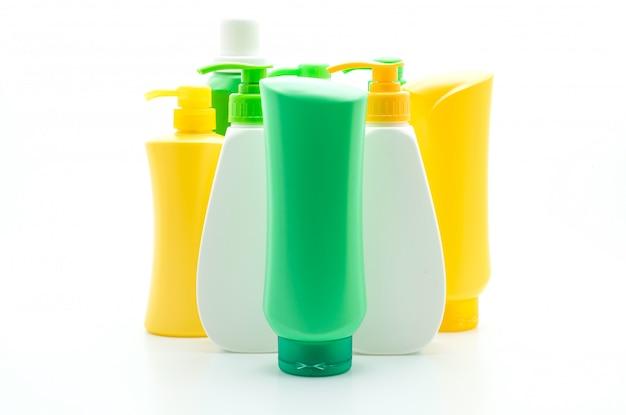 Bouteille de shampooing ou revitalisant sur blanc
