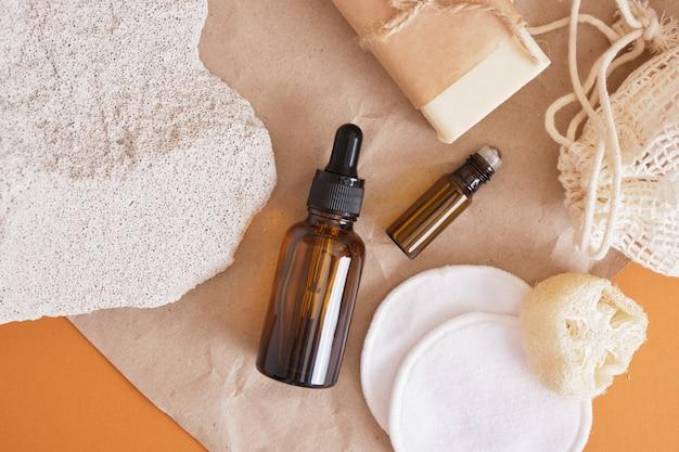 Bouteille en verre ambré avec pipette et ensemble de soins de la peau respectueux de l'environnement