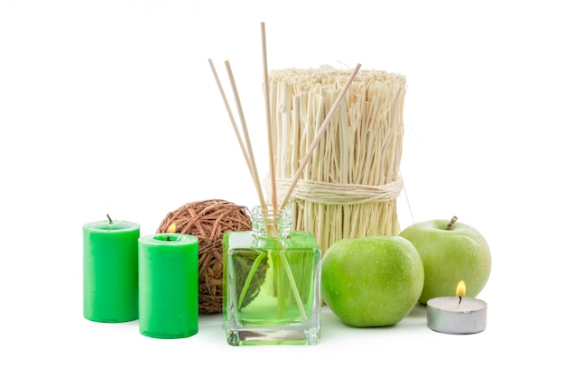 Bouteille de verre dans la chambre odeur vert chimique