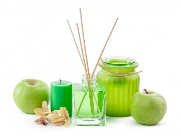 Bouteille en verre dans la chambre odeur vert chimique