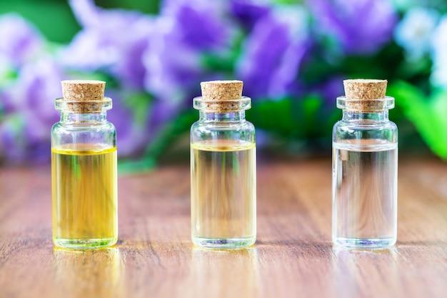 Bouteille en verre à l'huile essentielle