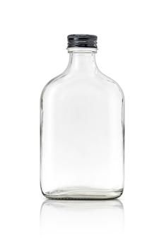 La bouteille en verre transparent d'emballage vide comprend un bouchon noir en aluminium