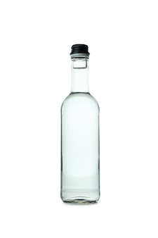 Bouteille vierge de vodka sur blanc