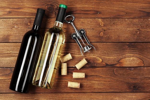 Bouteille de vin sur bois