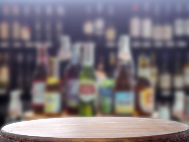 Bouteilles de cristal d'alcool de bokeh