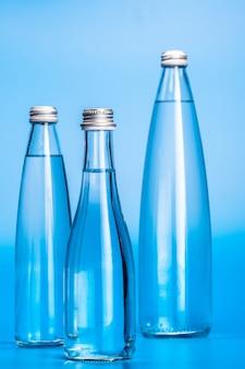 Bouteilles d'eau en verre