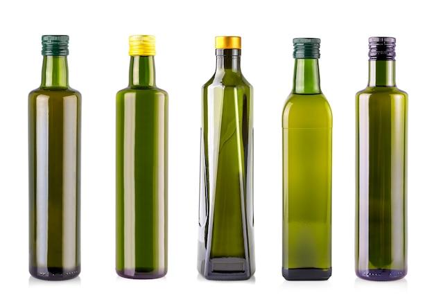 Bouteilles d'huile d'olive isolé sur fond blanc.