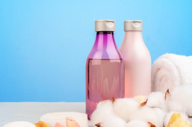 Bouteilles en plastique de composition de produits de beauté et de soins corporels