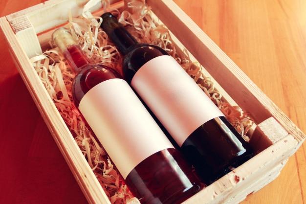 Bouteilles de vin, étiquettes vides
