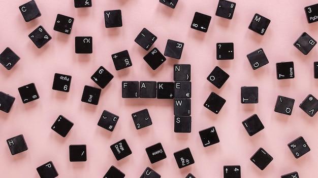 Bouton du clavier avec de fausses nouvelles