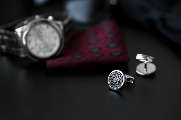 Boutons de manchette de luxe pour hommes avec montre, boutons de manchette et lunettes de soleil