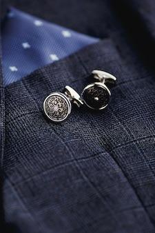 Boutons de manchette pour hommes de mode de luxe.