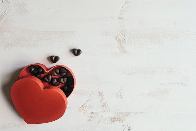 Boxe coeur avec chocolats