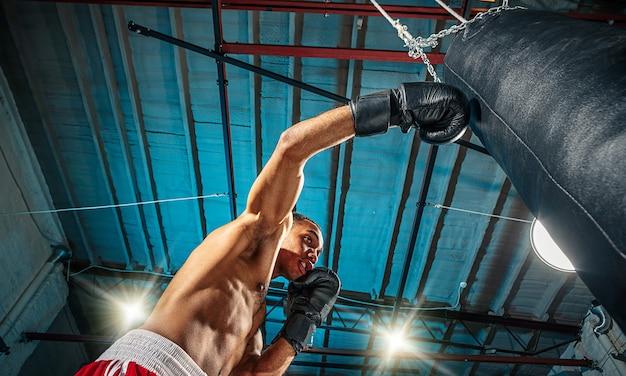 Boxeur masculin afro-américain.