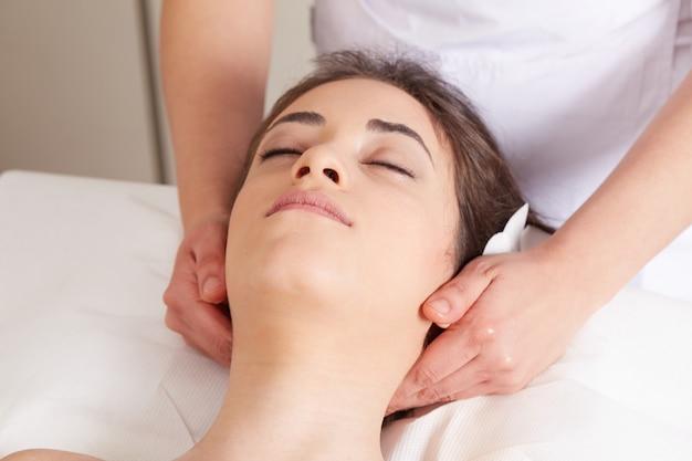 Bpdy massage au club de bien-être