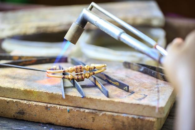 Bracelet de fabrication d'orfèvre