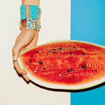 Bracelets accessoires d'été juteux. tendance de la mode.