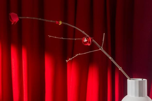 Branche du nouvel an chinois 2021 à fleurs rouges
